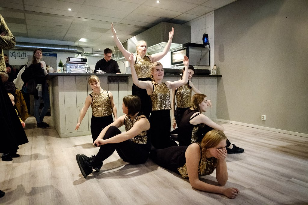 foto danseressen bij Brownies en Downies